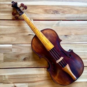 Baroque Instruments Baroque violin with fingerboard inlay